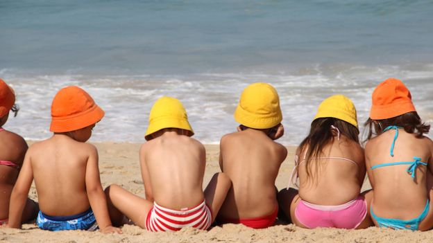 Green Flag means a beach suitable for families with children